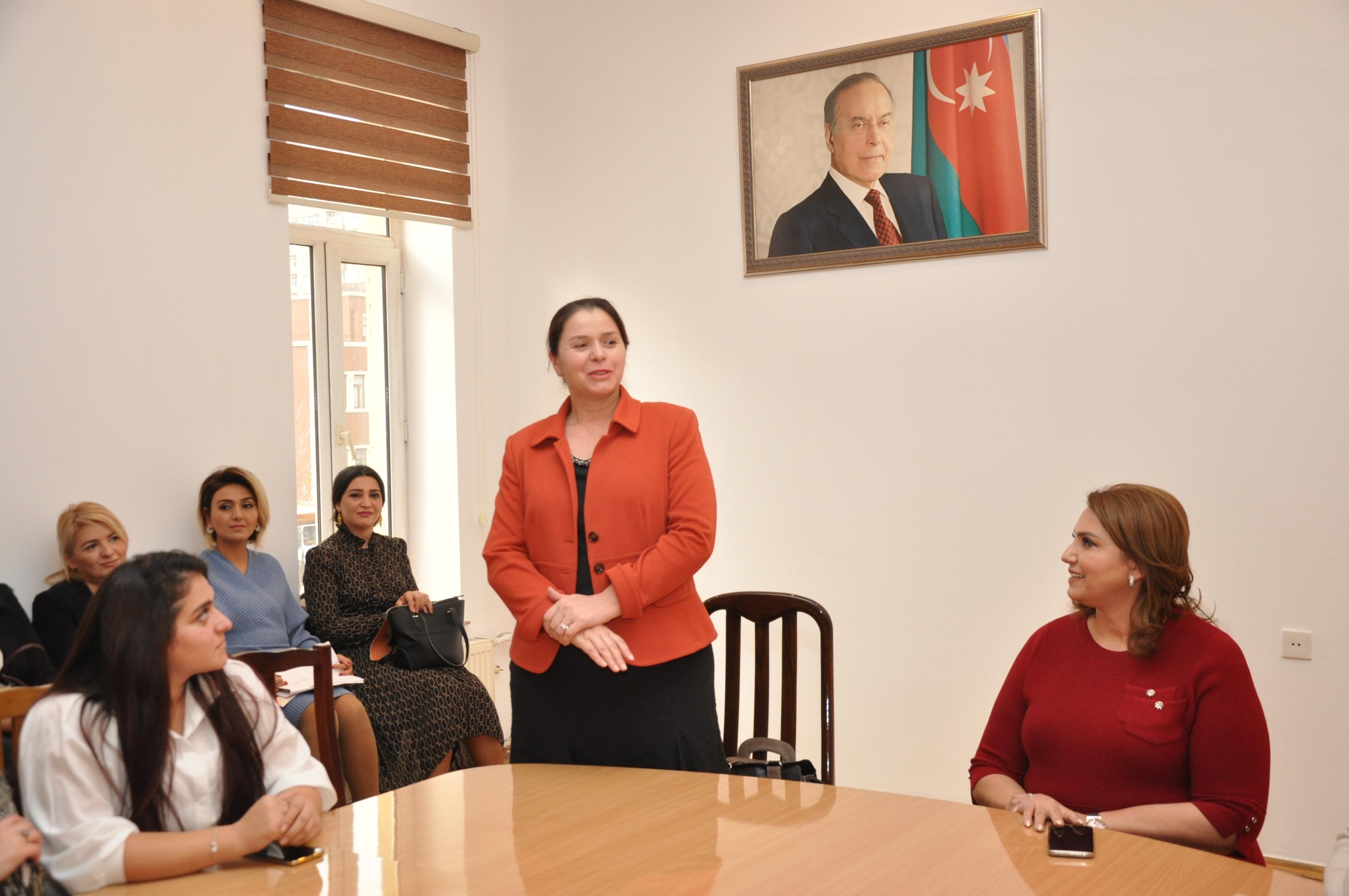 YAP Xətai rayon təşkilatında təbliğat-təşviqat kampaniyası çərçivəsində qadın seçicilərlə görüş keçirildi