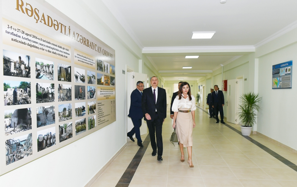 """Prezident İlham Əliyev məcburi köçkünlər üçün salınmış """"Qobu Park-2"""" yaşayış kompleksinin açılışında iştirak edib"""